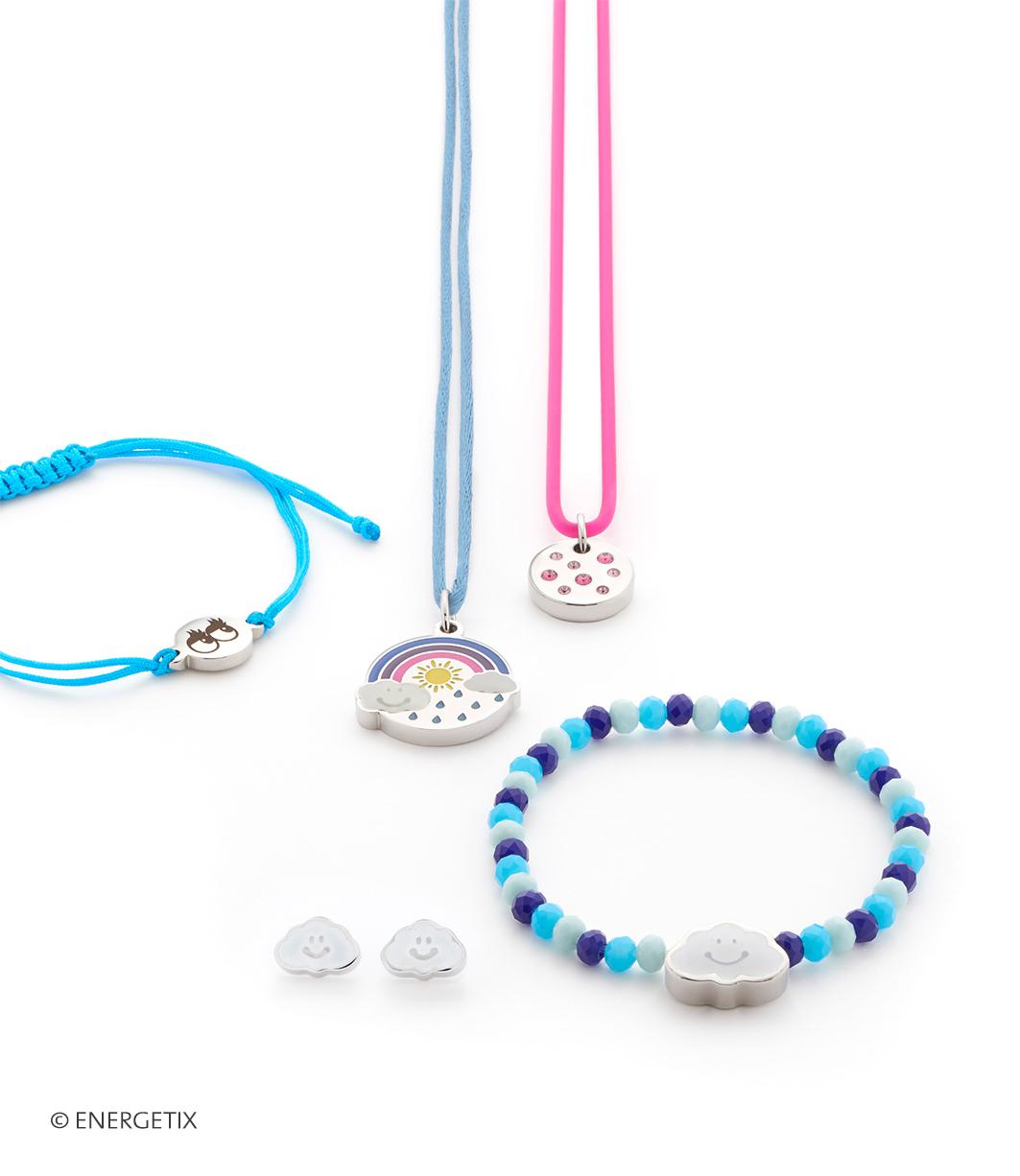 Afbeelding van leuke armbanden en hangers magneetsieraden voor kinderen.